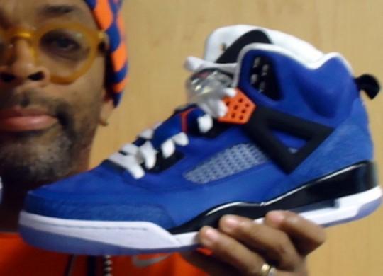 Spike Lee avec la Air Jordan Spiz'ike Knicks