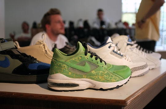 sale retailer d941b b6ef5 Solemart Berlin - Septembre 2011 - Nike Air Max 93 Powerwall Nike Air Max  93 1993 STONE BEIGE MAPLE BROWN LODEN GREEN GREY 306551-121 8.5 ...