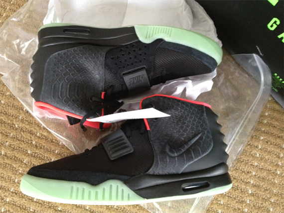 Nike Air Yeezy 2 Black Pink