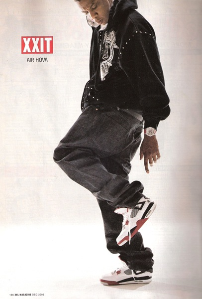 Jay-Z en Air Jordan 4 White Black Cement