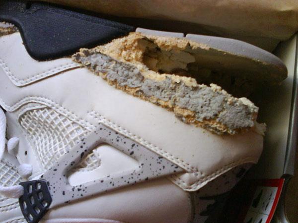 Air Jordan 4 White Cement décomposition