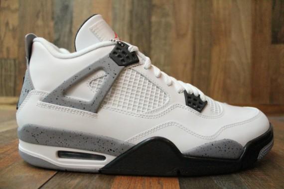 Air Jordan 4 White / Black Cement Grey