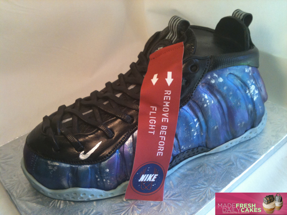 gâteau Nike Air Foamposite One 'Galaxy'
