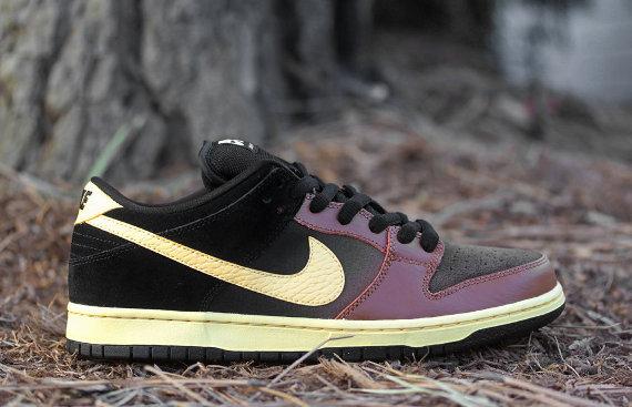 Nike Dunk Low SB Black and Tan