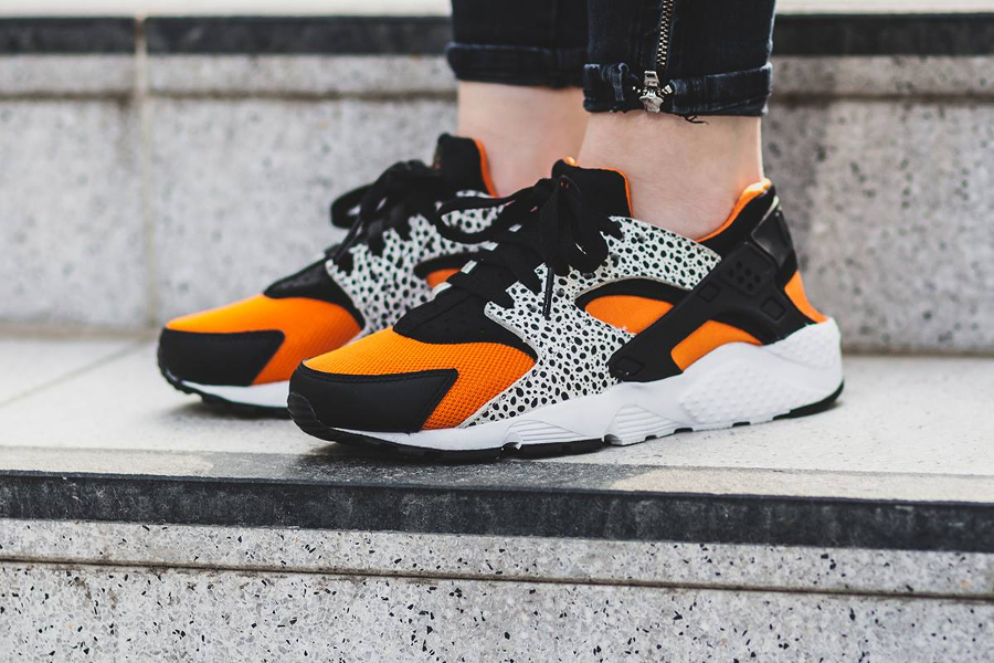 nike-air-huarache-gs-safari