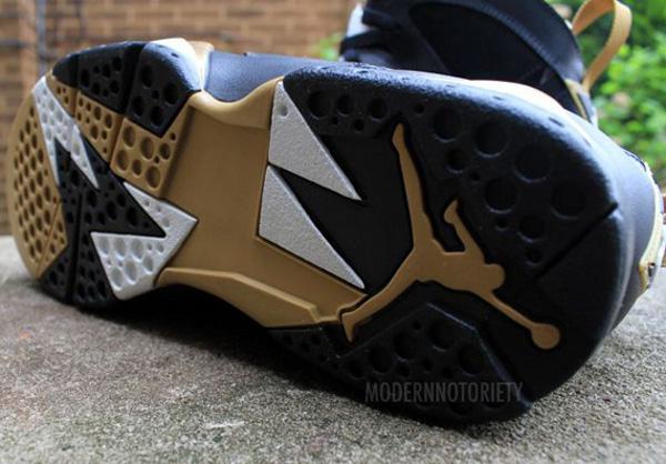 Air Jordan 7 Gold Medal – photos de la version finale