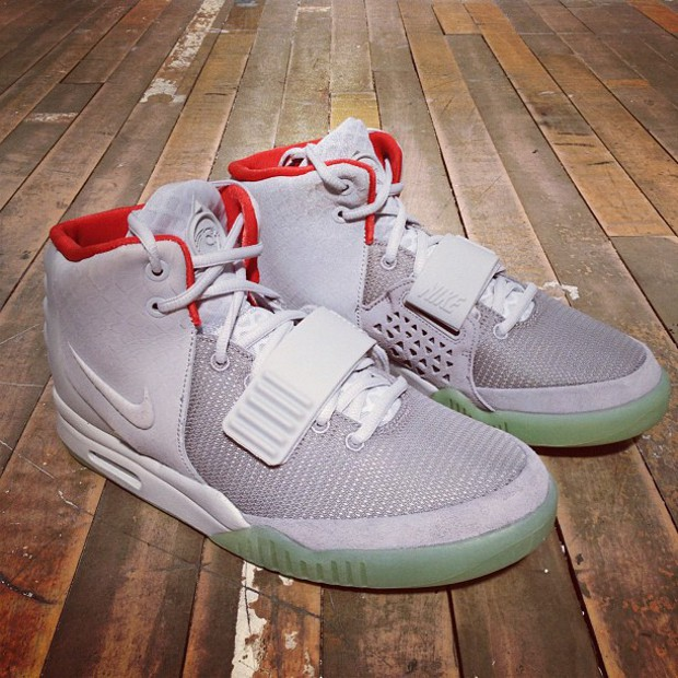 date de sortie: 81b8f fd5f6 Où acheter la Nike Air Yeezy 2 Platinum en France ?