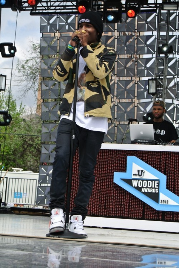 A$ap Rocky en Air Jordan 4 White Cement