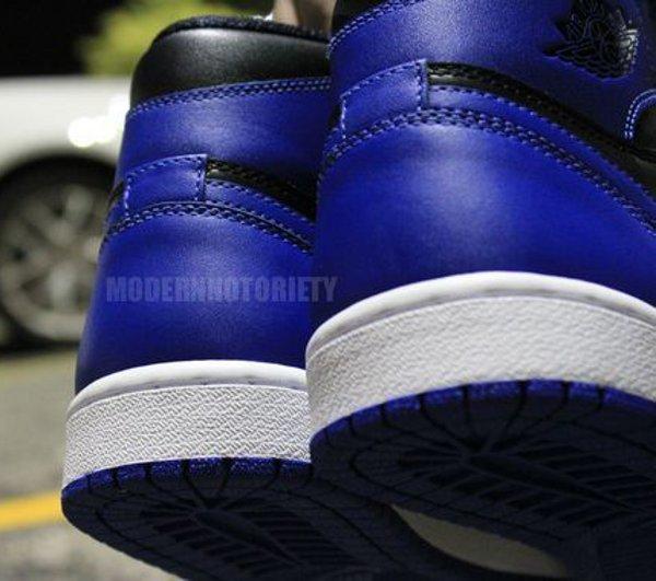 La Jordan 1 Royal Blue 2013 avec le «Nike Air» !