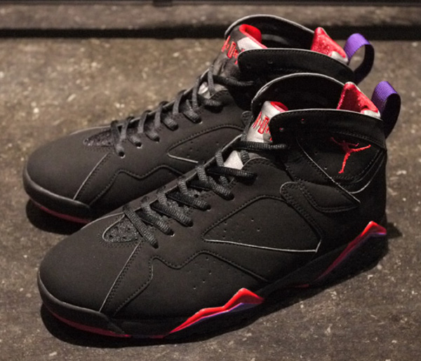 "Air Jordan 7 (VII) Retro Charcoal ""Raptors"" 2012"