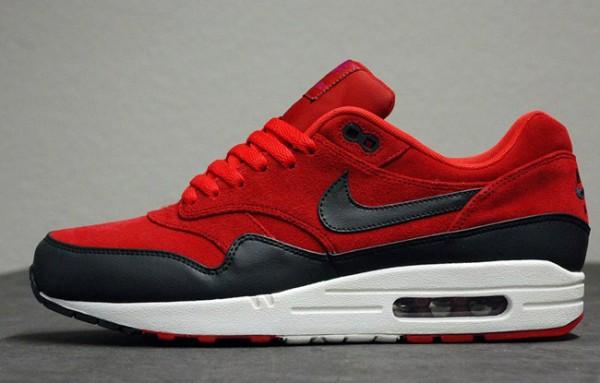 air max one rouge et noir