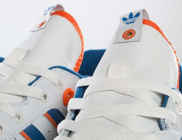 Adidas Rivalry Lo Consortium Ewing Knicks   Chicago d06f9bb9bc