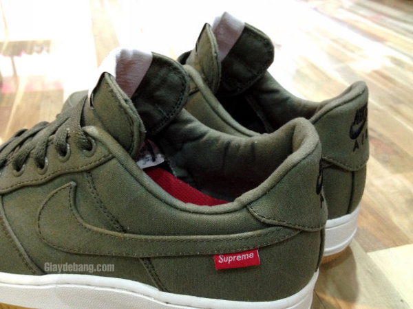 Air Force 1 Low Supreme chaussure Nike de basket