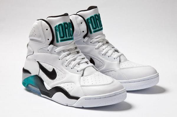 Air Force 180 Mid dispos au Nike Store
