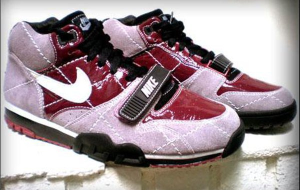 Nike Air Trainer 1 (sample)