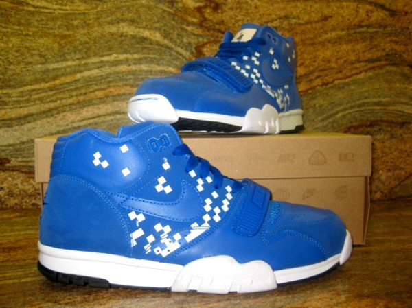 Nike Air Trainer 1 Tecmo (sample)