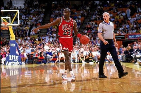 Michael Jordan en Air Jordan 4 Bred