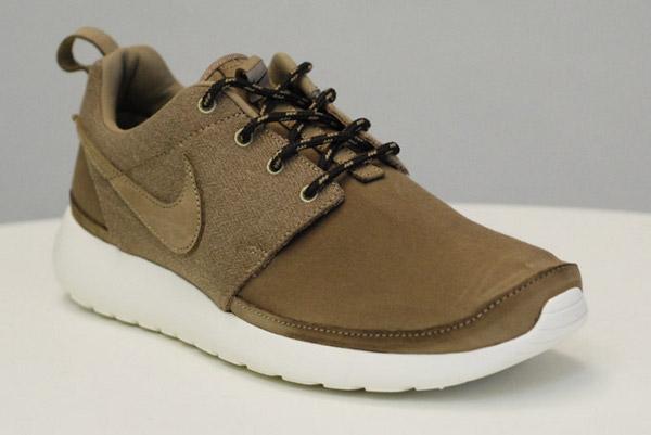 Nike Roshe Run Premium kaki