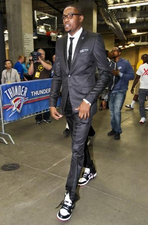 costume avec basket nike