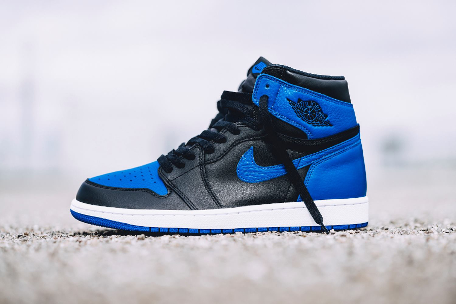 Basket-aj1-og-bleu-noire-2