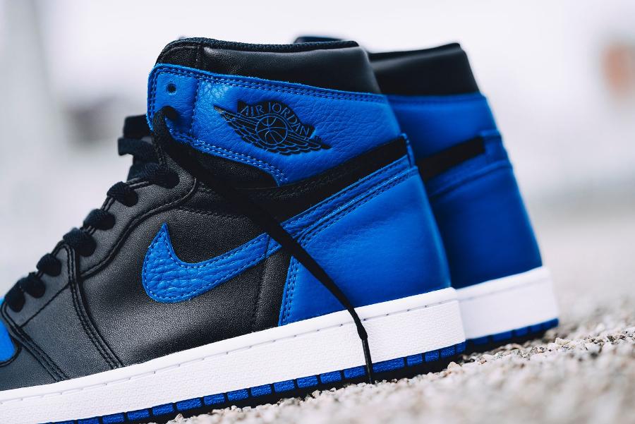 Basket-aj1-og-bleu-noire-4