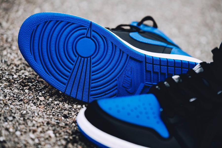 Basket-aj1-og-bleu-noire-6
