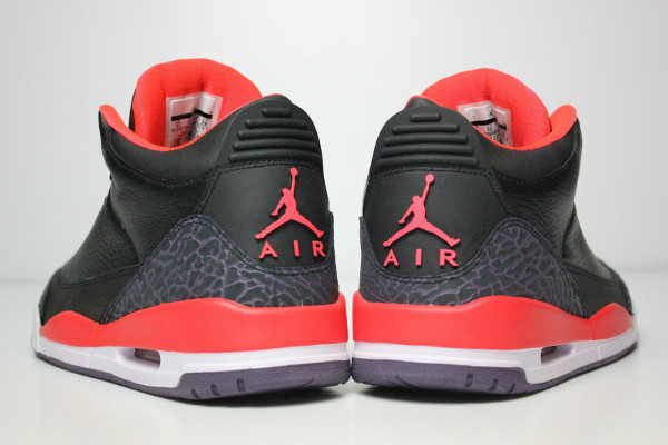 Air Jordan 3 Bright Crimson