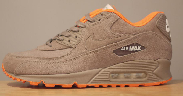 Nike Air Max 90 Milan Hometurf 1