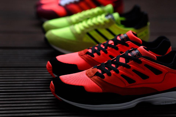 huge discount 81a02 35d62 Le pack Adidas Neon