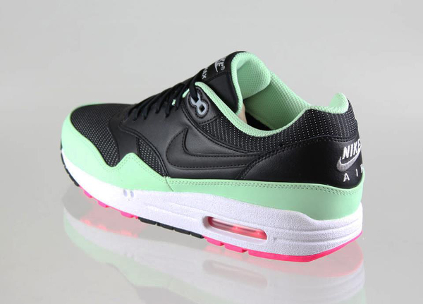 Nike Air Max 1 Yeezy Black Fresh Mint Pink Flash Le Site
