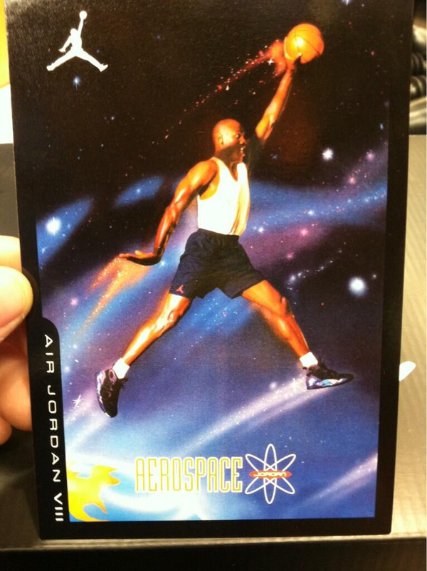 La Retro Card, en vente avec la Jordan 8 Bugs Bunny 2013 !