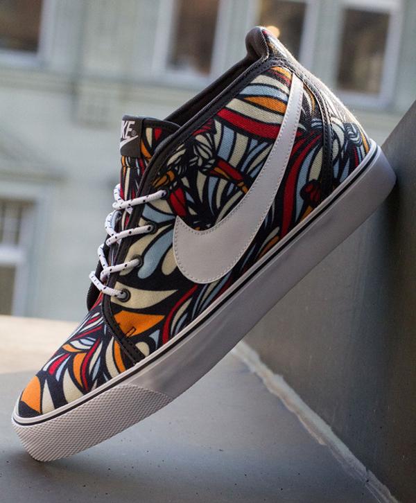 Nike Toki Textile