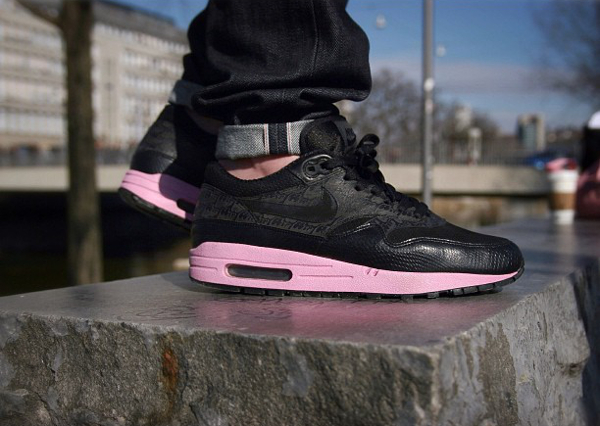 "Nike Air Max 1 Powerwall ""Morning Gloring"" - Saintcity"