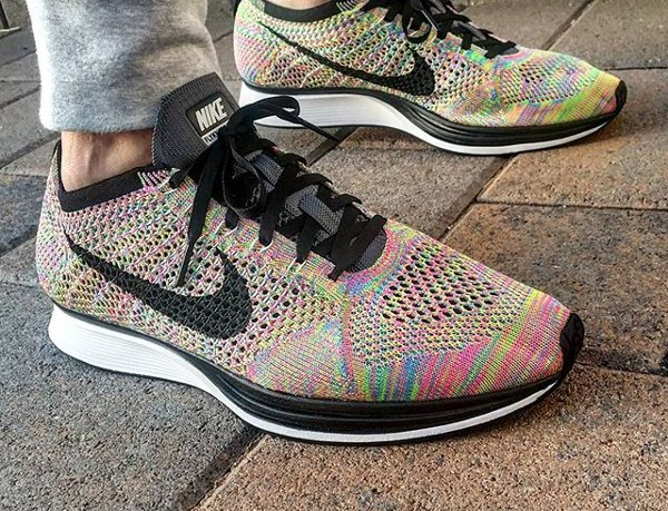 Basket Nike Flyknit Racer Multicolor 3.0 Rainbow Grey Tongue (1)