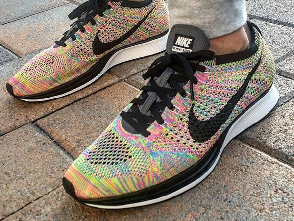 Basket Nike Flyknit Racer Multicolor 3.0 Rainbow Grey Tongue (2)