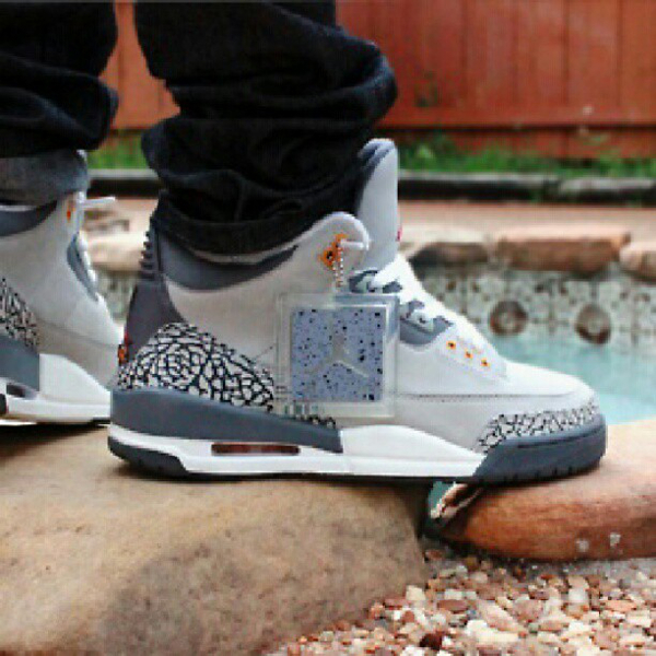 air-jordan-3-cool-grey-hotspot472-1
