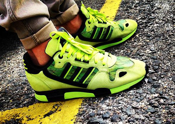 adidas-originals-zx800-neon-snakeskin-batkicks