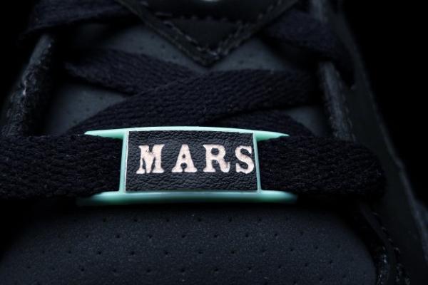 air-jordan-son-of-mars-low-green-glow-3