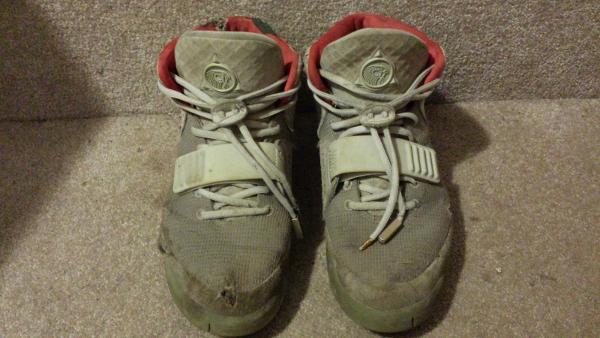 Nike Air Yeezy 2 mauvais état