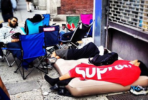 L'édito : le camp out , un phénomène de société ?