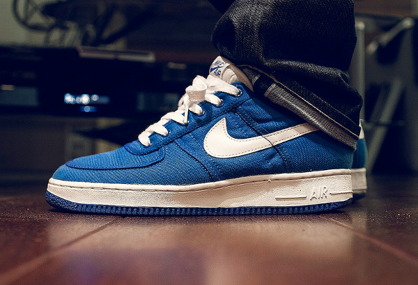 nike-air-force-1-low-canvas-royal-blue- Rooog Knows