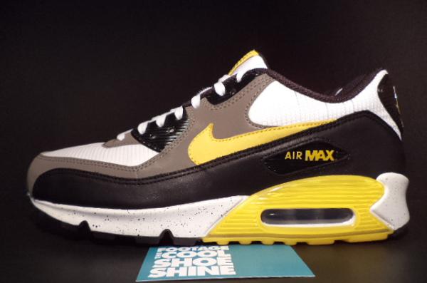 Nike Air Max 90 Livestrong