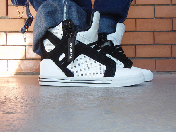 supra-skytop-white-black-sk8shoeking