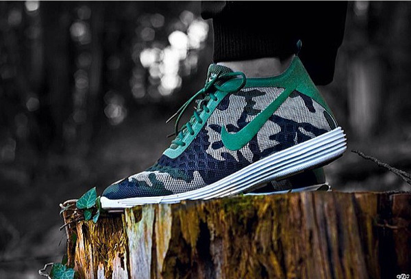 Nike Rejuven8 x FCRB - Tomdayoff