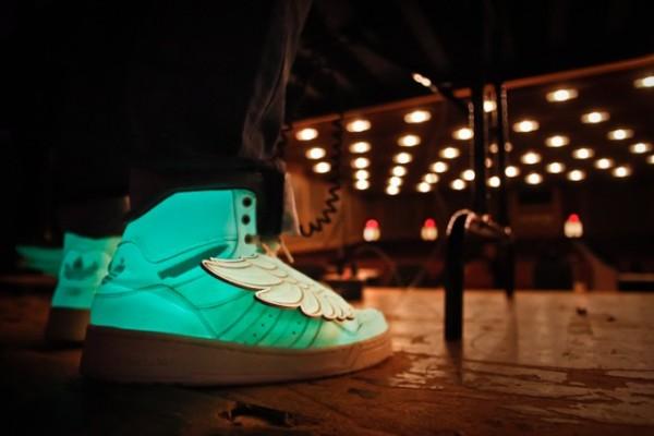 adidas-js-wings-glow-in-the-dark-markety