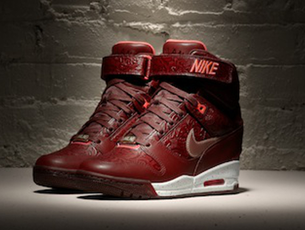 Nike Air Revolution Sky Hi Milan