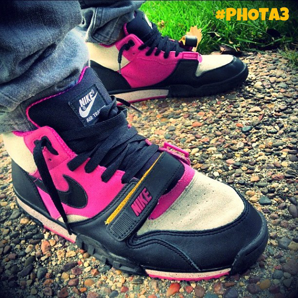 nike-air-trainer-1-mid-tech-pack-phota3