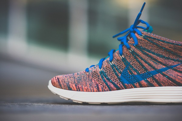 nike-lunar-flyknit-chukka-photo-blue-2