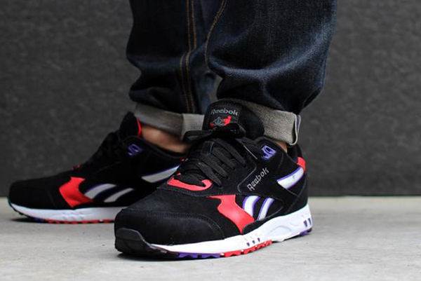 Reebok Inferno Black/Techy Red
