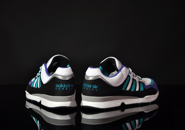 Adidas-Torsion-Integral-S-OG-white-ultra-green-3